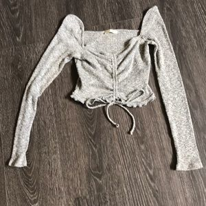 Trendy cropped grey/ white long sleeve shirt